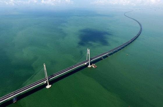 甲宝输送设备助力港珠澳大桥